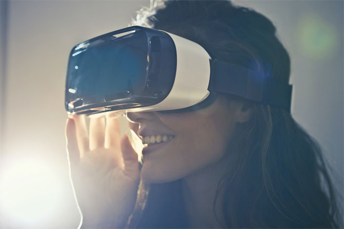 featured image Learn About the Latest Trends in Game Development Virtual reality - Learn About the Latest Trends in Game Development